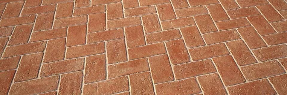 Pulizia pavimenti in cotto protezione antimacchia - Come pulire pavimenti esterni ruvidi ...