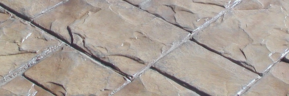 Cleaning paving stones
