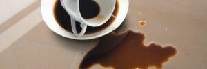 pulire marmo da macchie caffe