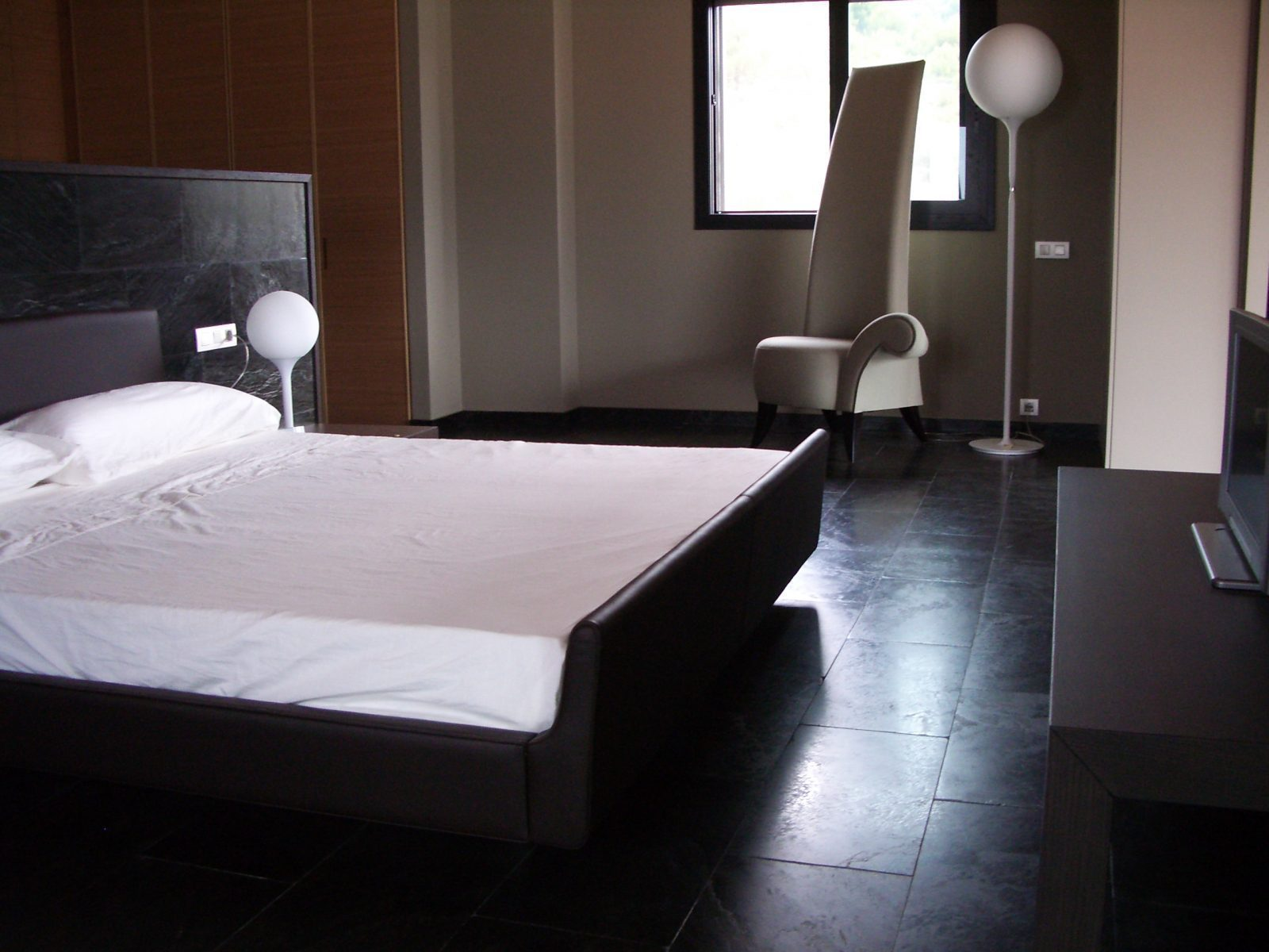 Pulire pavimenti di marmo proteggere pavimenti di marmo for Pavimento bianco e nero