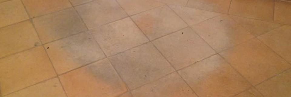 Come ripristinare il trattamento a cera sul pavimento in cotto - Trattamento cotto interno ...