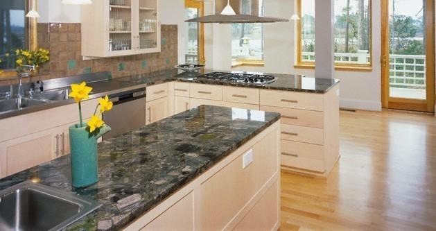 Pulizia e protezione del top cucina in marmo lucido - Materiali top cucina ...