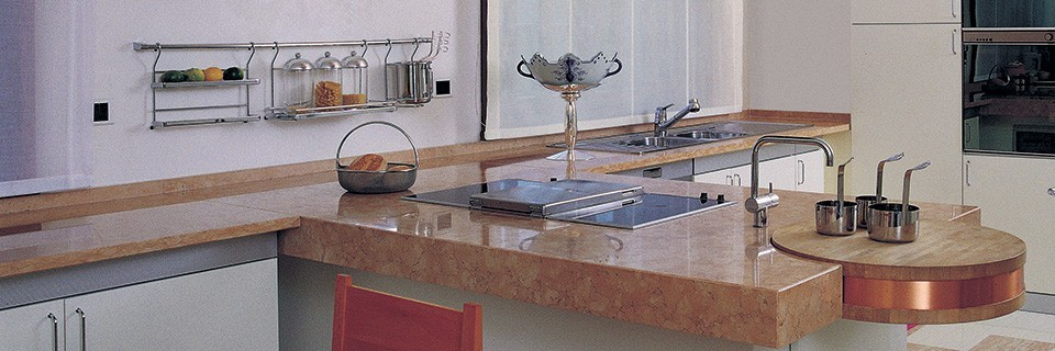 Pulizia e Protezione del Top Cucina in Marmo Lucido ...