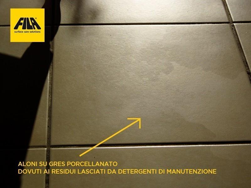 Come eliminare aloni e impronte dal gres porcellanato for Polvere di ceramica leroy merlin