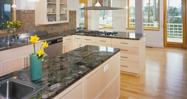 macchie sul top in marmo tutte le soluzioni per togliere. Black Bedroom Furniture Sets. Home Design Ideas