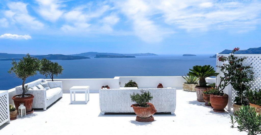 Cura-esterni-casa-terrazza-da-favola-FILA