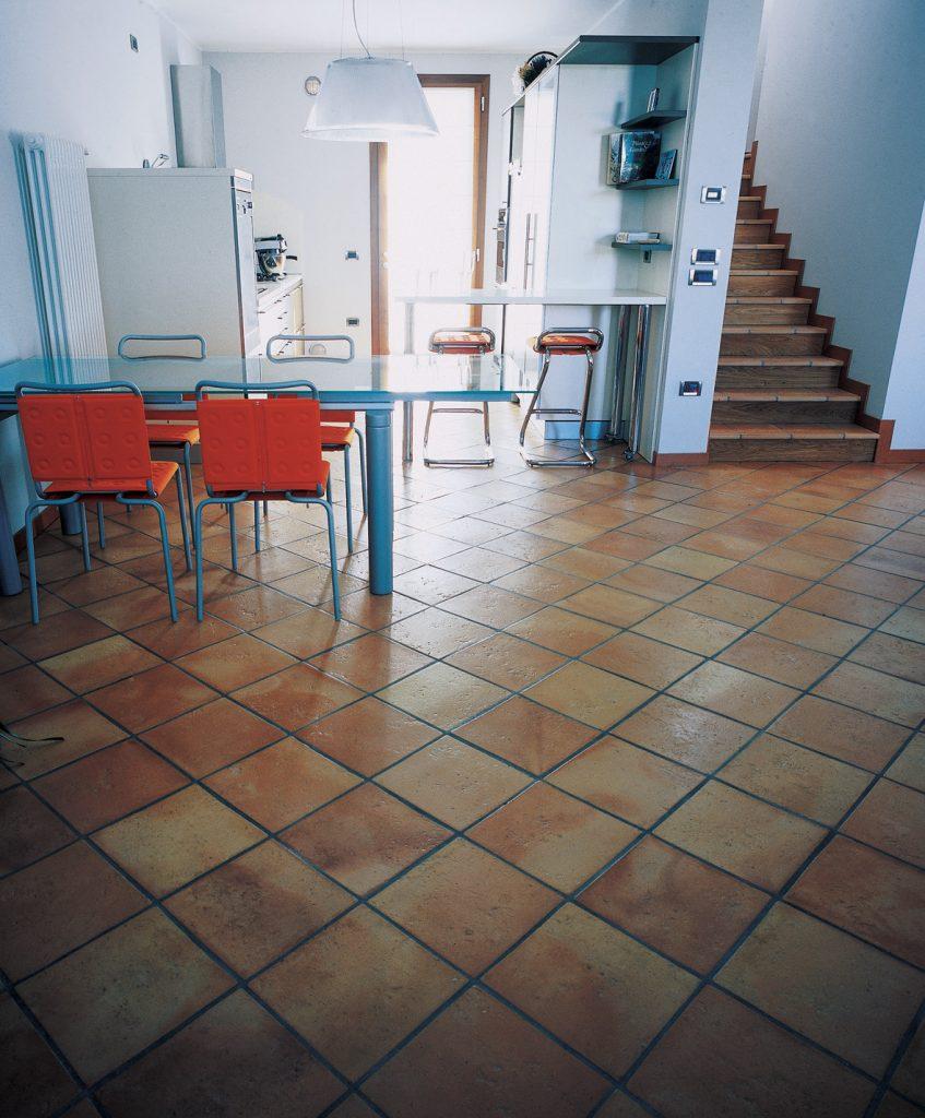 come pulire un pavimento in cotto