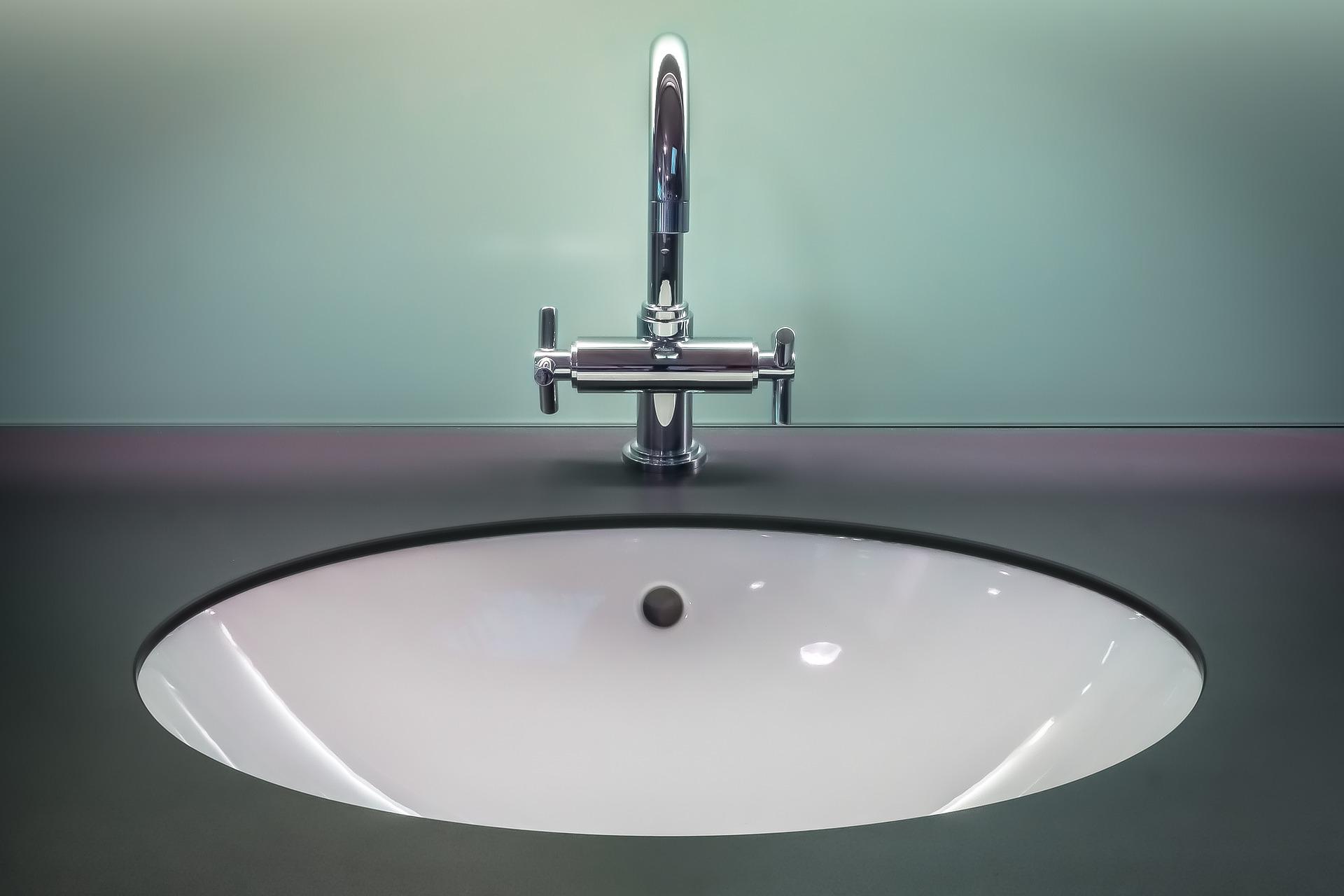 pulizia del bagno